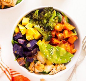 Chicken-Buddha-Bowl-with-Spicy-Mango-Sauce1
